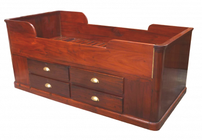 lit de bateau ancien en acajou antiquites de marine casque de scaphandrier meuble de marine. Black Bedroom Furniture Sets. Home Design Ideas